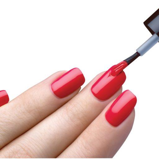 Cómo cuidar mi manicura? Los productos que debilitan mis uñas y la piel al rededor de mis dedos.